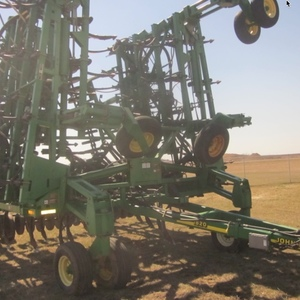 Medium john deere 1820 drill