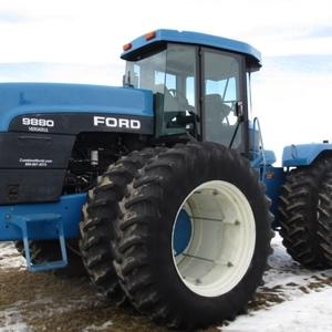 Medium ford versatile 9880