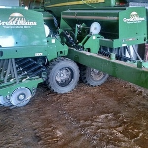 Medium 2014 great plains 3000hd planter 1