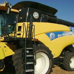 Medium 2010 new holland cr9060 combine 2