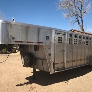 Medium wilson livestock trailer 2