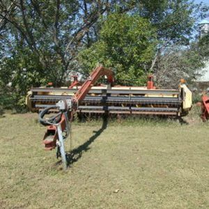 Medium c w hay swather