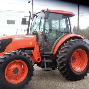 Medium kubota m9540 tractor