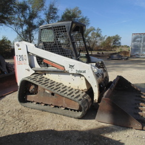 Medium stillwell skid steer 1