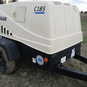 Medium doosan compressor trailer