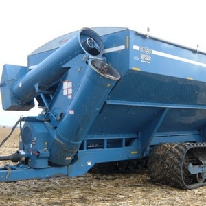 Medium kinze grain cart 1