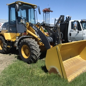 Medium deere 304j loader 6