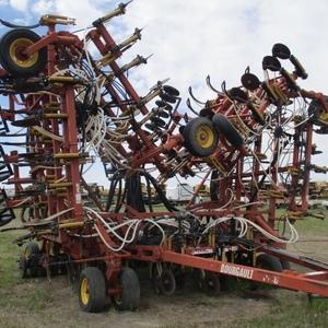 Medium 2002 bourgault 5710 drill 2