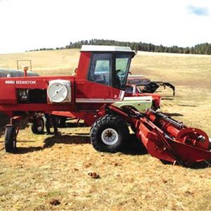 Medium hesston swather
