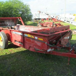 Medium manure spreader 1