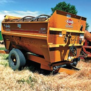 Medium kuhne feed wagon