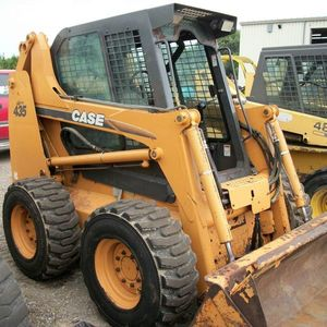 Medium losee skid loader 1