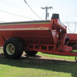Medium killbros grain cart 1