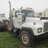 Thumb mack rd 688s cab chassis 3