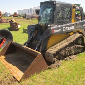 Medium deere 323d skid steer loader 2