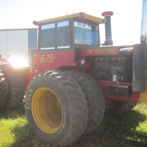 Medium versatile 875 articulated tractor 4