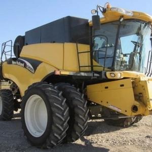 Medium new holland cr960 combine