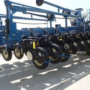 Medium kinze 3800 row planter