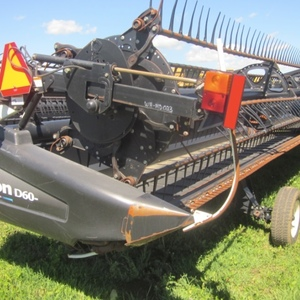 Medium 2010 macdon d60 45ft combine head