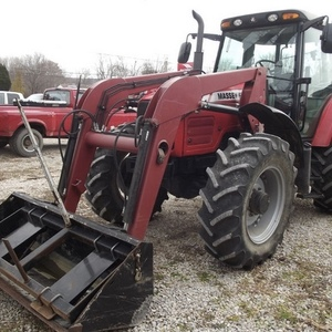 Medium massey ferguson 5465 tractor 2